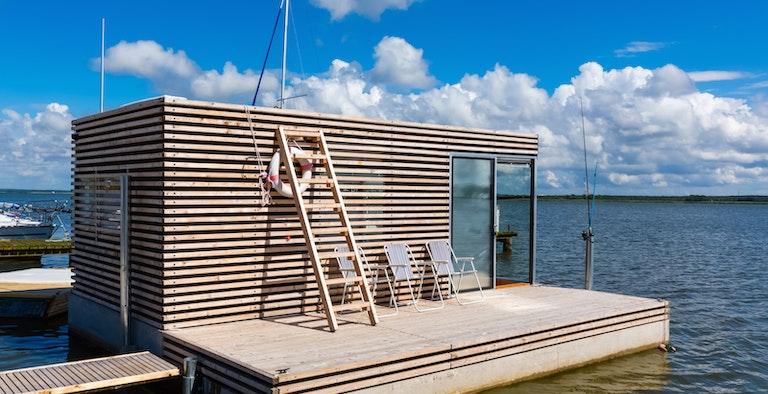HT Houseboats
