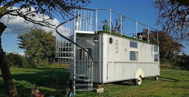 Warwick Knight Caravan