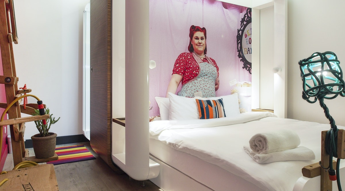 Qbic hotel london new concept design hotel and the for Design hotel qbic
