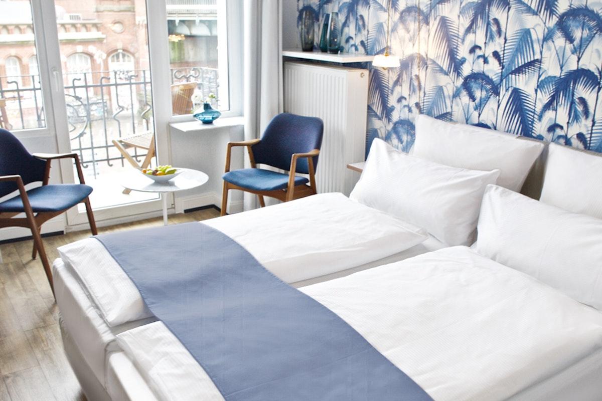 fritzhotel hamburg stunning boutique hotel in the schanzenviertel. Black Bedroom Furniture Sets. Home Design Ideas