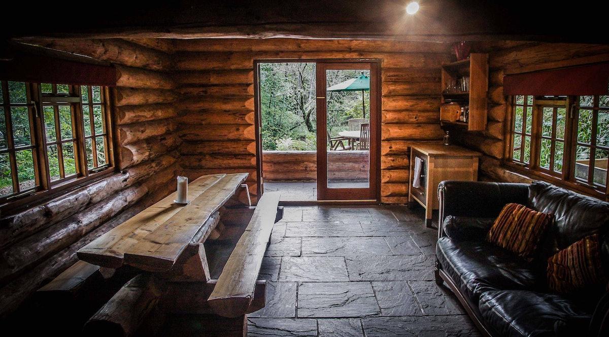 Shank Wood Log Cabin - Wonderful secluded rustic retreat