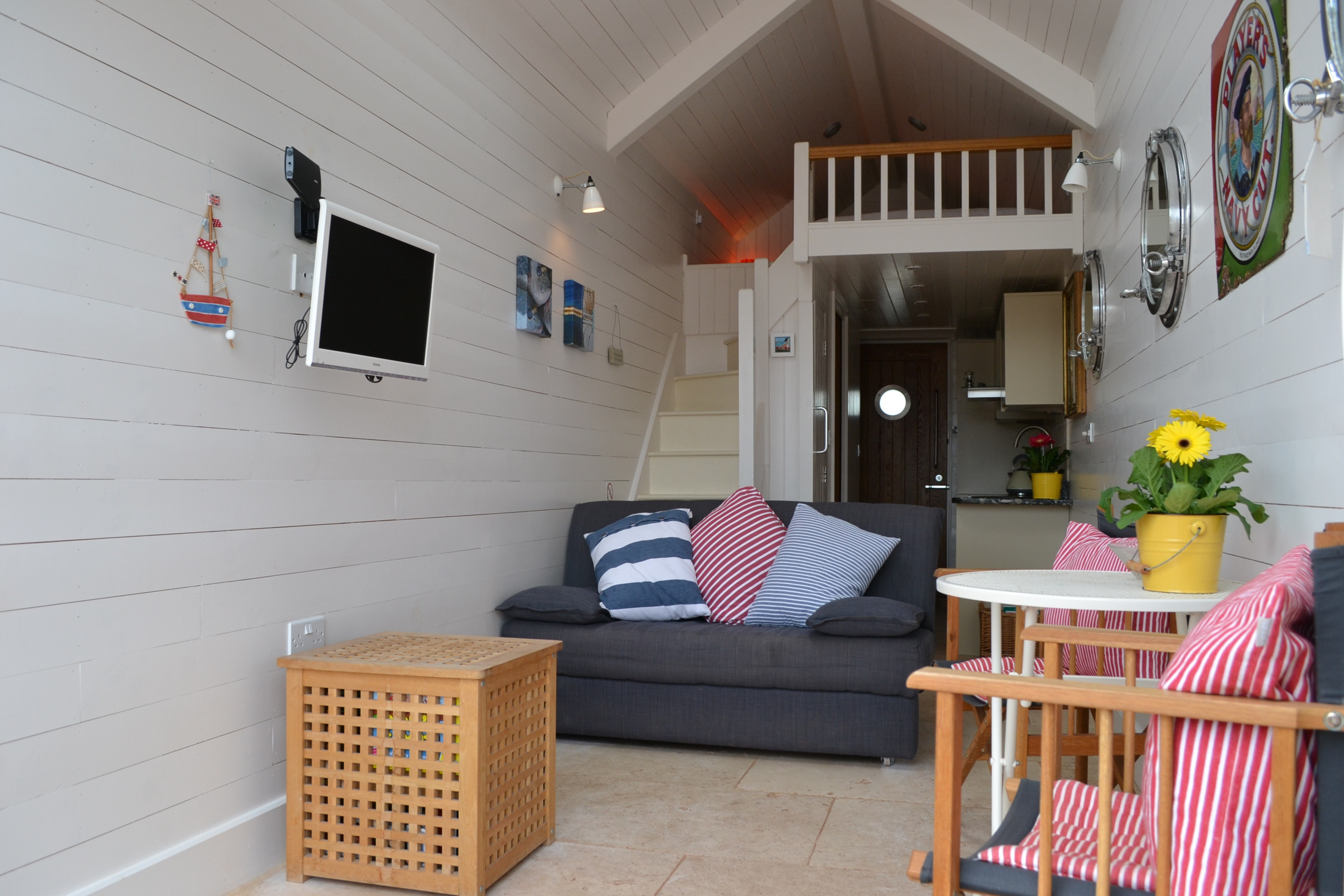 pics of modern bedrooms shaldon huts stunning luxury waterfront huts 16649