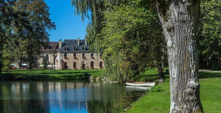 Abbaye de la Bussière Hotel