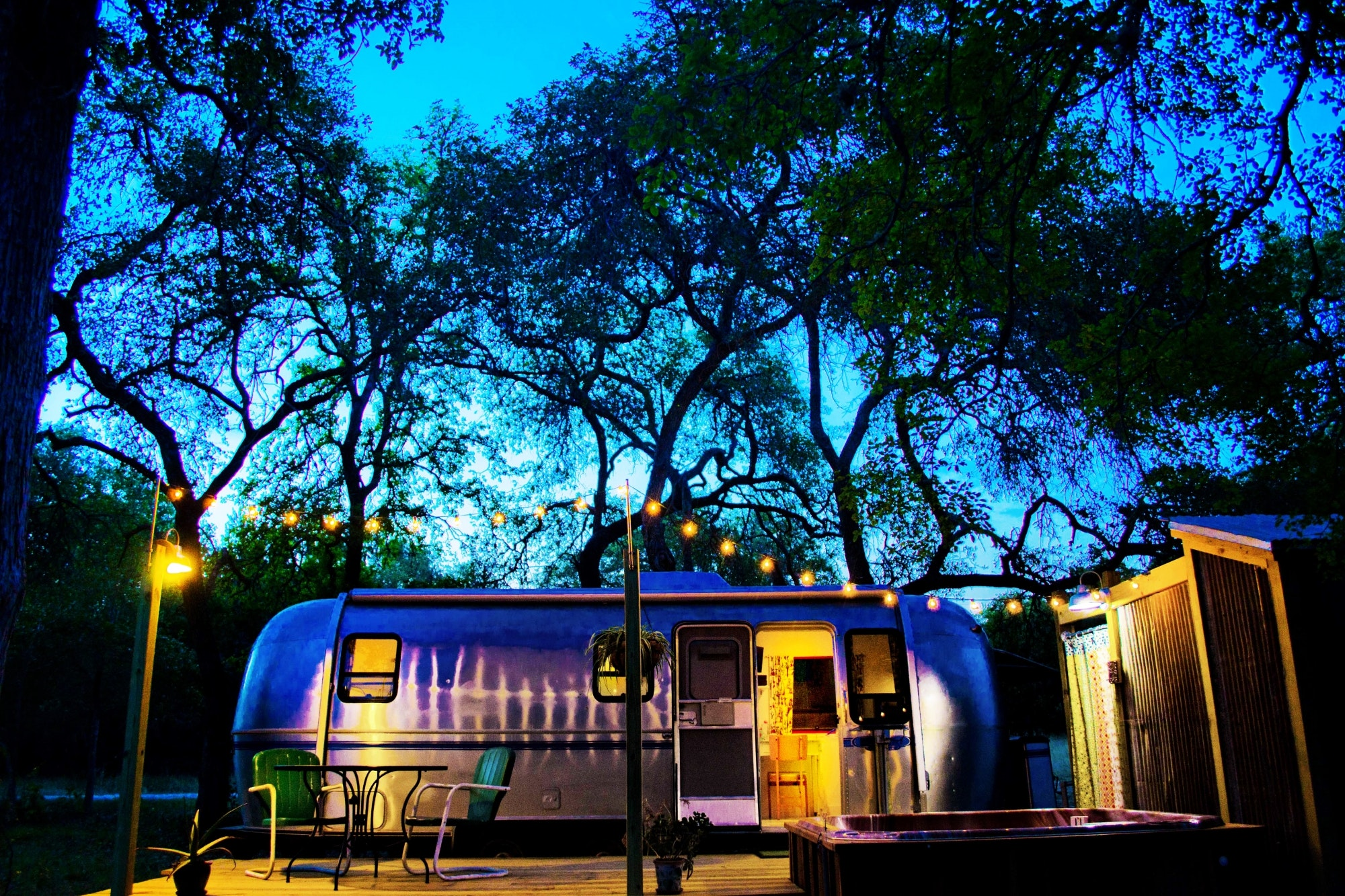 Dixie Daisy Airstream Retro Cool In Wimberley Texas