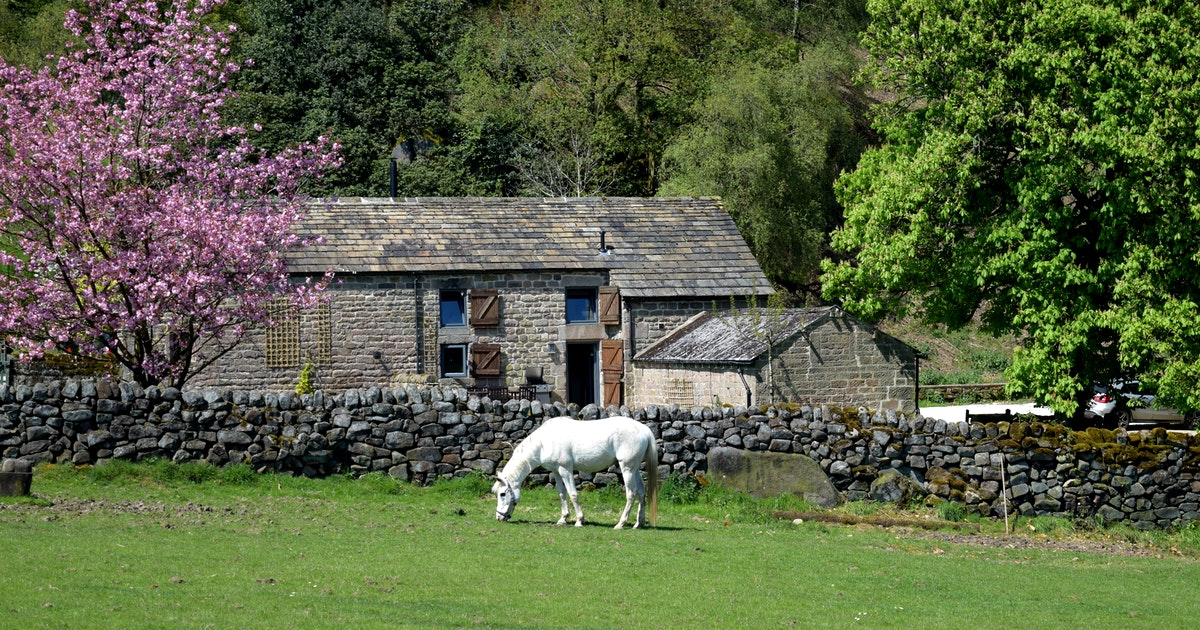 A photo of Rocking Stone Cottage - a holiday cottage in between Bakewell and Matlock.