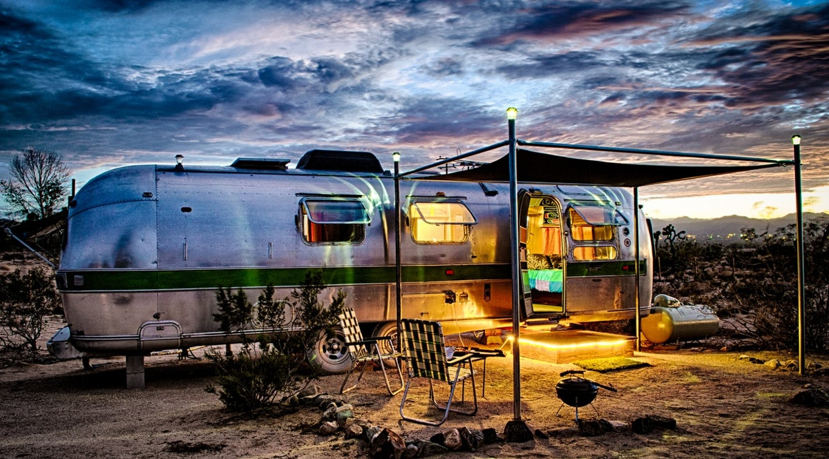 kates lazy desert airstreams retro airstream rentals in joshua tree california. Black Bedroom Furniture Sets. Home Design Ideas