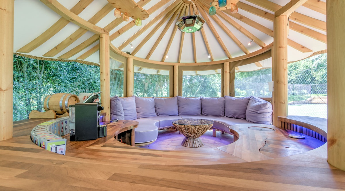Cedar Hollow Treehouse - A luxury retreat in the Oxfordshire