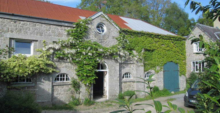 Uphill Coach House