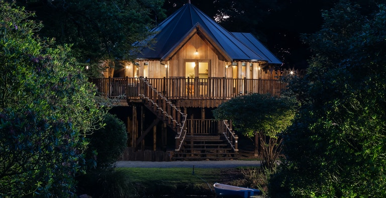 The Treehouse on the Lake