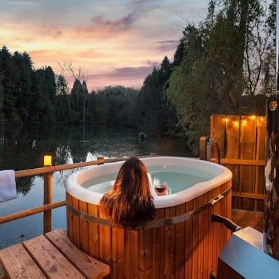 Hot tub glamping