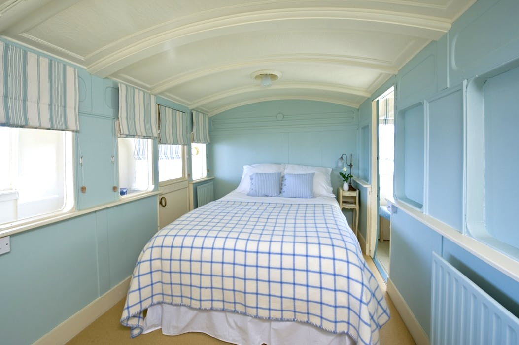 Seabank Beachfront Villa And Railway Carriage Conversion