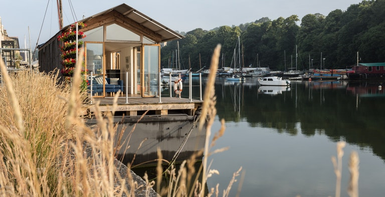 The Floathouse